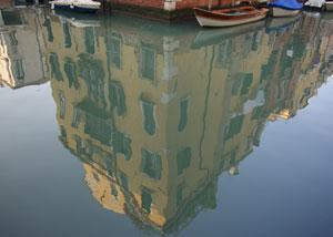 Venezia-reflections-2_300x214