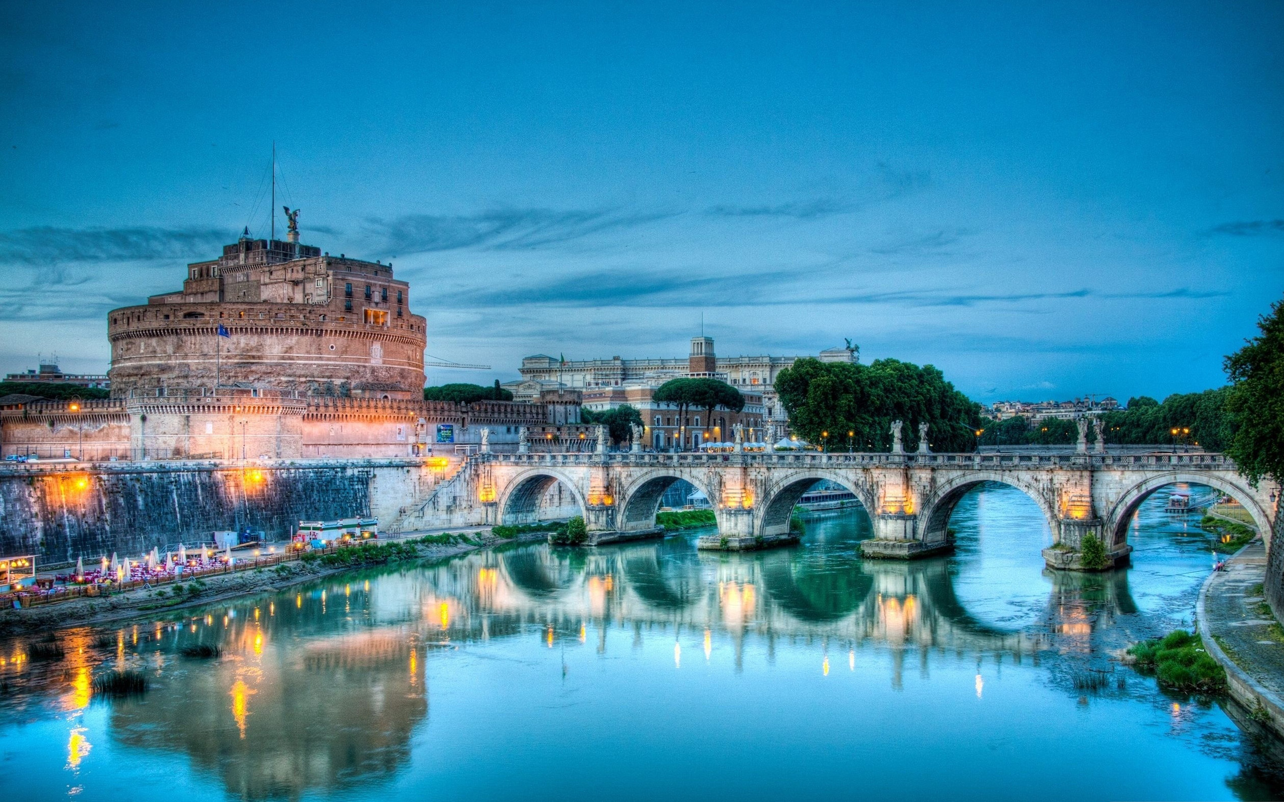 Italian Tourist: Italy And Its Art Cities