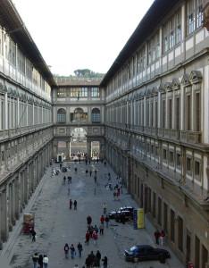 Galleria_degli_Uffizi_court
