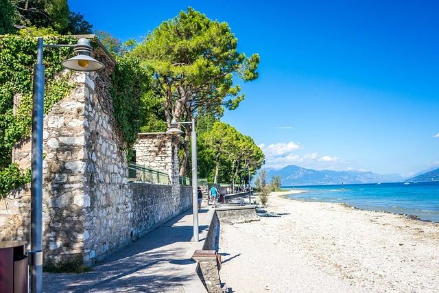 lake garda, sirmione, beach