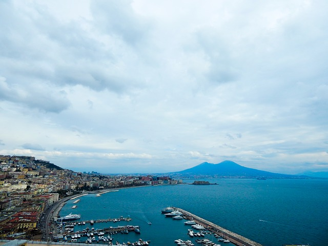 naples, vesuvius, sea
