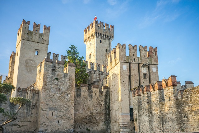 scaliger castle, lake garda, sirmione