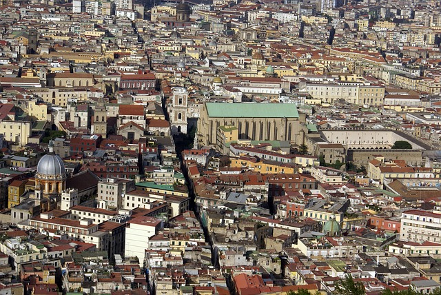 spaccanapoli, naples, historical centre