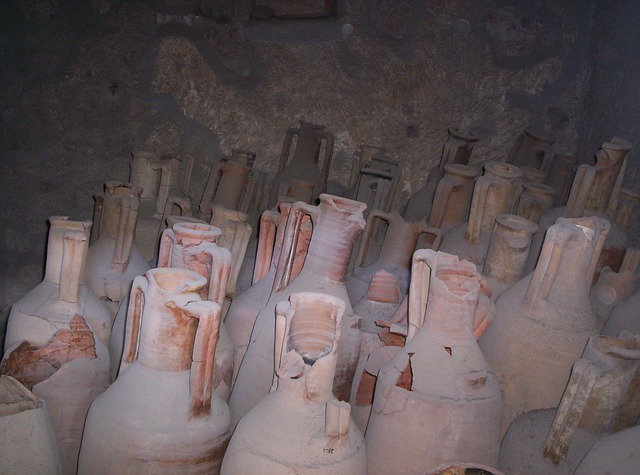 urns, vessels, pompeii